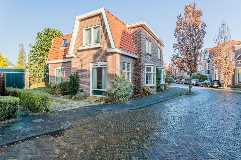 Bekijk foto 2 van Oosterhoutstraat 72