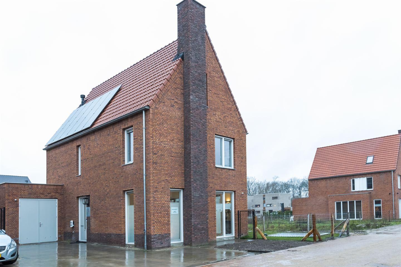 Bekijk foto 1 van Zenderenstraat 77