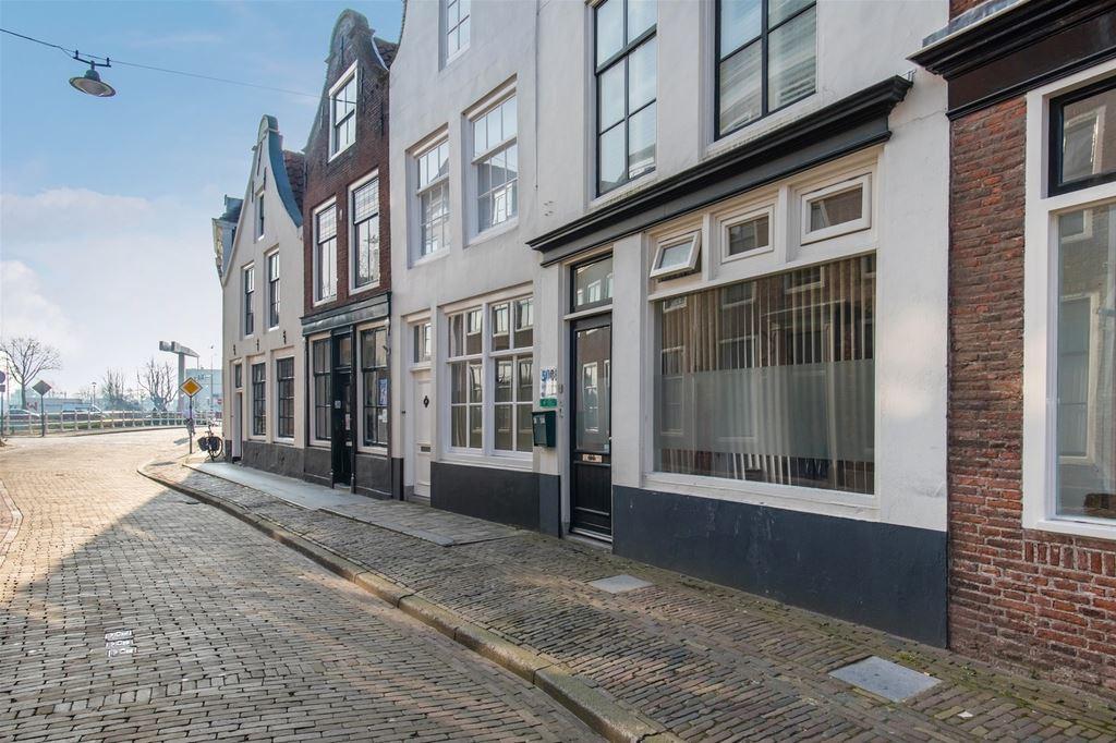 View photo 1 of Vlissingsestraat 50