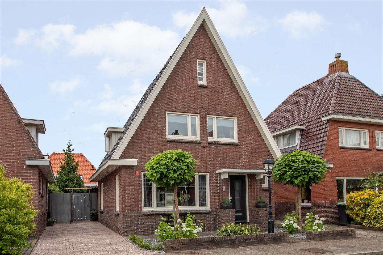 Bekijk foto 1 van Mr. J.R. Moddermanstraat 8