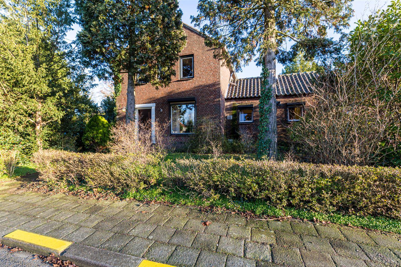 Bekijk foto 2 van Van Baerlestraat 18