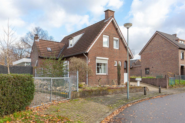 Bekijk foto 1 van Den Hoekstraat 19