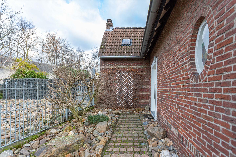 Bekijk foto 2 van Den Hoekstraat 19
