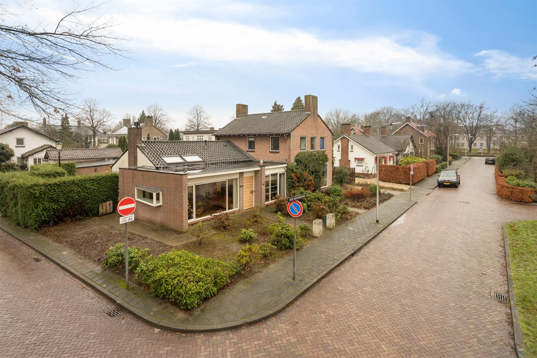 Bekijk foto 1 van Prof. W. Einthovenstraat 1