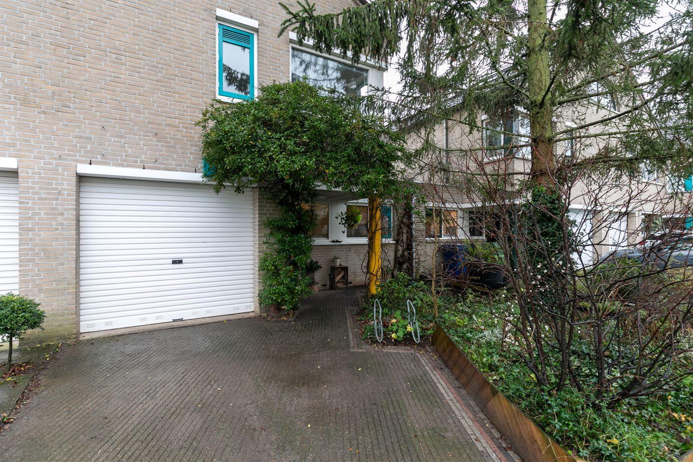 Bekijk foto 2 van Petuniastraat 11