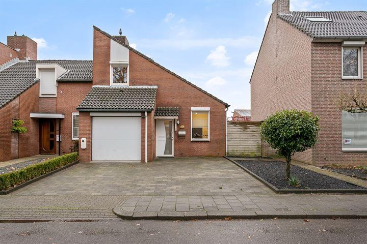 Pastoor Hutschemakersstraat 3