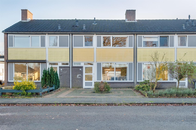 Bekijk foto 2 van Willem Landrélaan 15