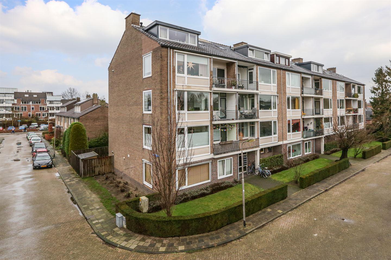 Bekijk foto 1 van Alphons Diepenbrockstraat 9 c