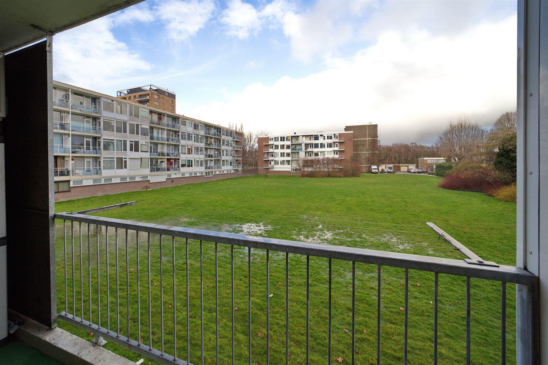 Bekijk foto 2 van Van 't Hoffstraat 32