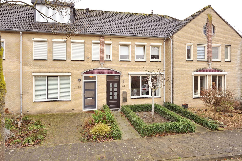 Bekijk foto 1 van Wethouder Lommenstraat 22