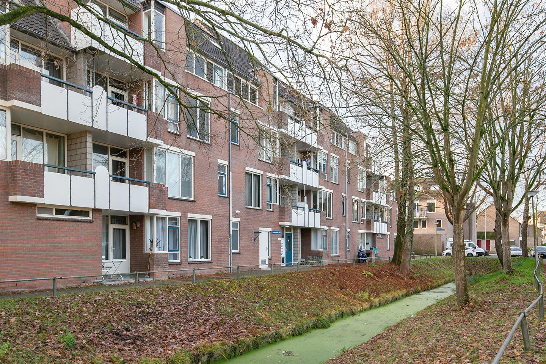 Bekijk foto 2 van Jacob Obrechtstraat 45