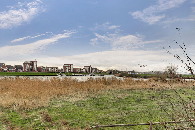 View photo 2 of Terreplein 72