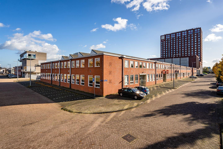 Bekijk foto 3 van Willem Fenengastraat 17