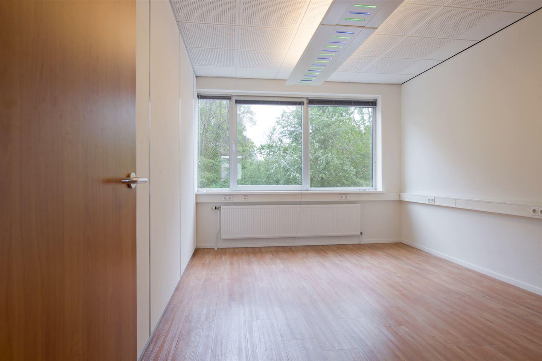 Bekijk foto 2 van Robijnstraat 36