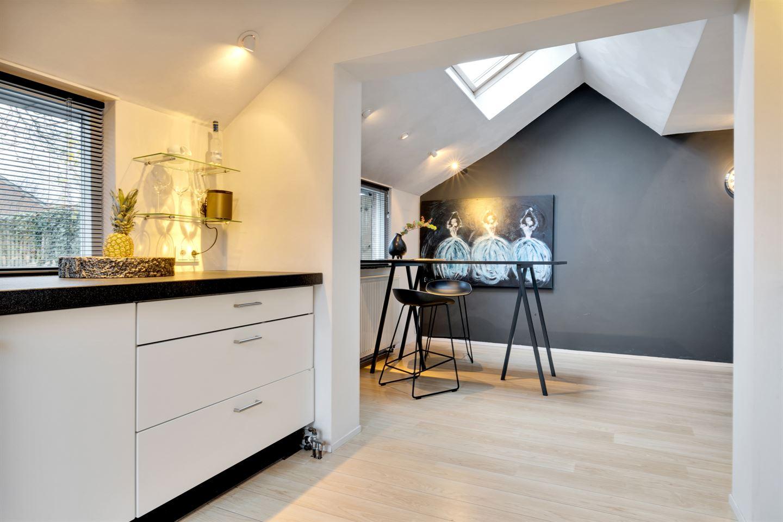 Bekijk foto 3 van Burg. Van den Oeverstraat 14