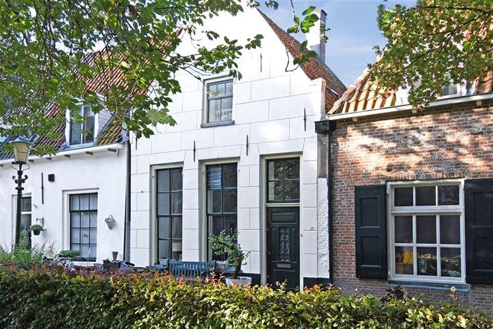 Zuiderwalstraat 18