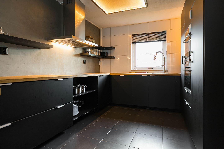 Bekijk foto 3 van Luitstraat 46