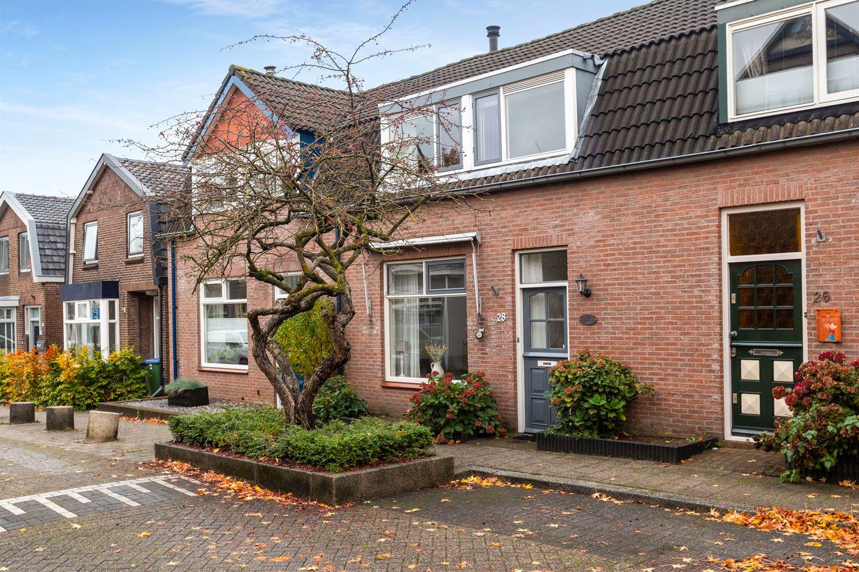 Bekijk foto 1 van Beatrixstraat 28