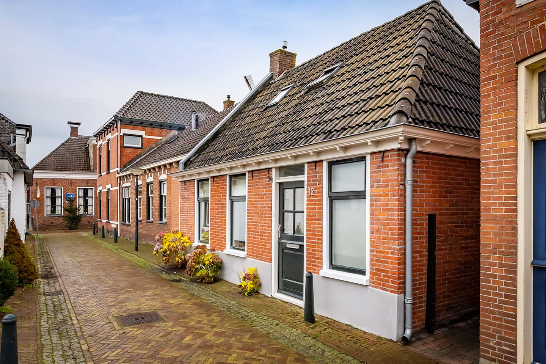 Bekijk foto 1 van Molenstraat 12
