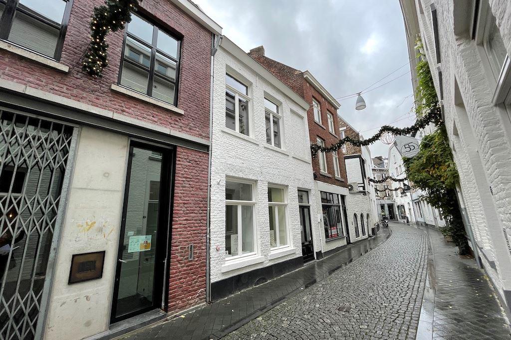 Bekijk foto 2 van Heggenstraat 4 - 4B
