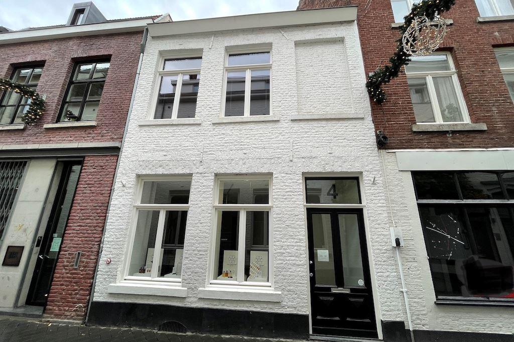 Bekijk foto 1 van Heggenstraat 4 - 4B