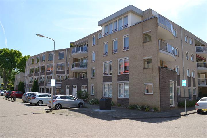 Giessenstraat 57