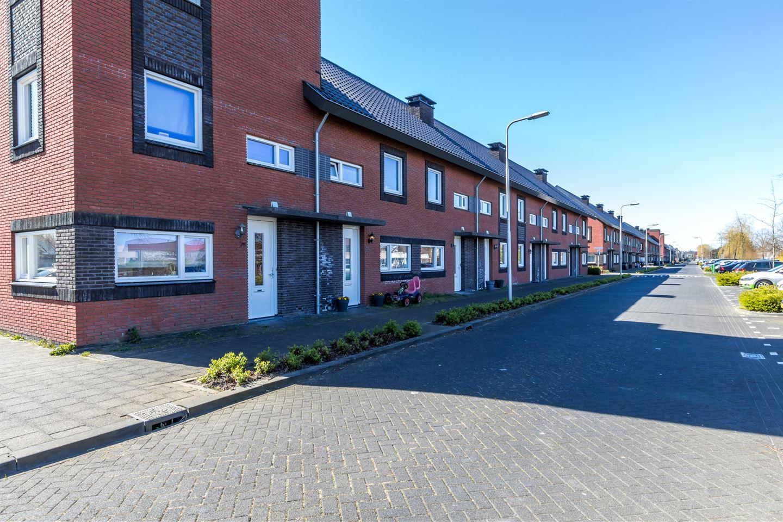 Bekijk foto 2 van Leeuwenhorststraat 29