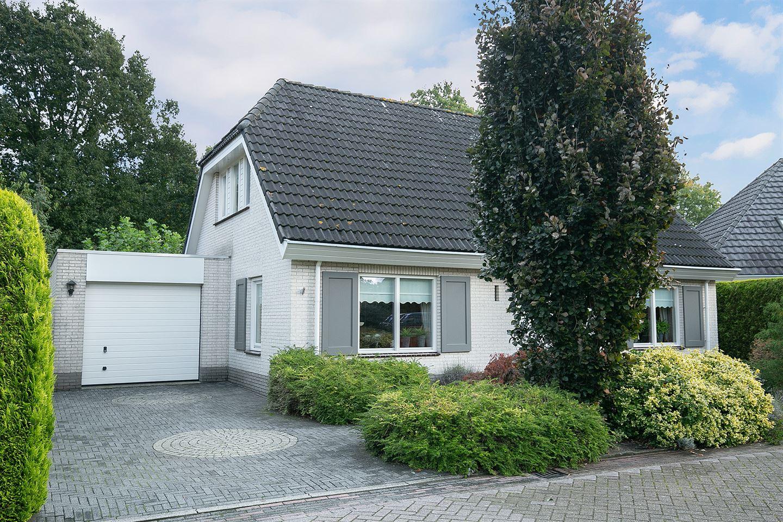 View photo 2 of Knolgroenakker 17