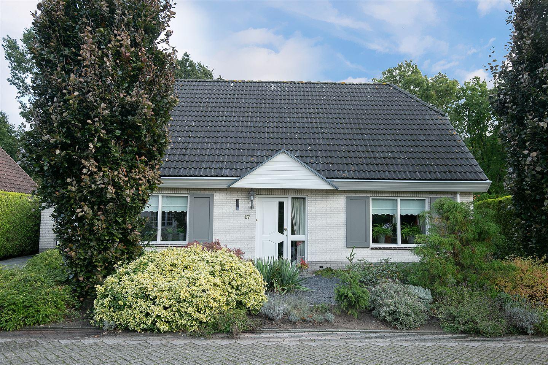 View photo 1 of Knolgroenakker 17