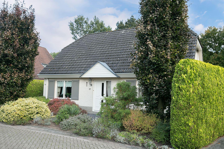View photo 3 of Knolgroenakker 17