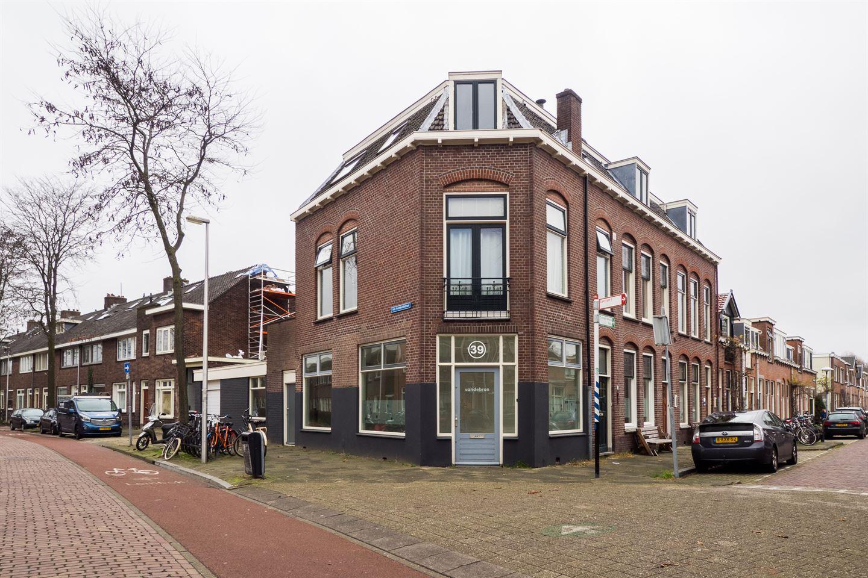 Bekijk foto 2 van Van Humboldtstraat 39