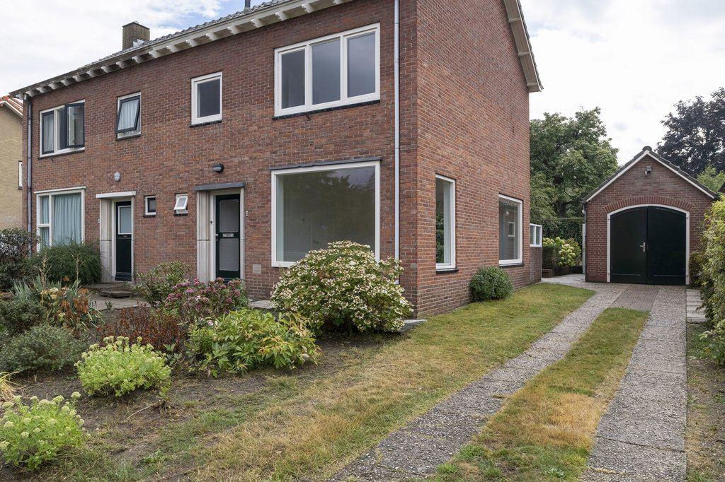 Bekijk foto 2 van Johan de Wittlaan 8
