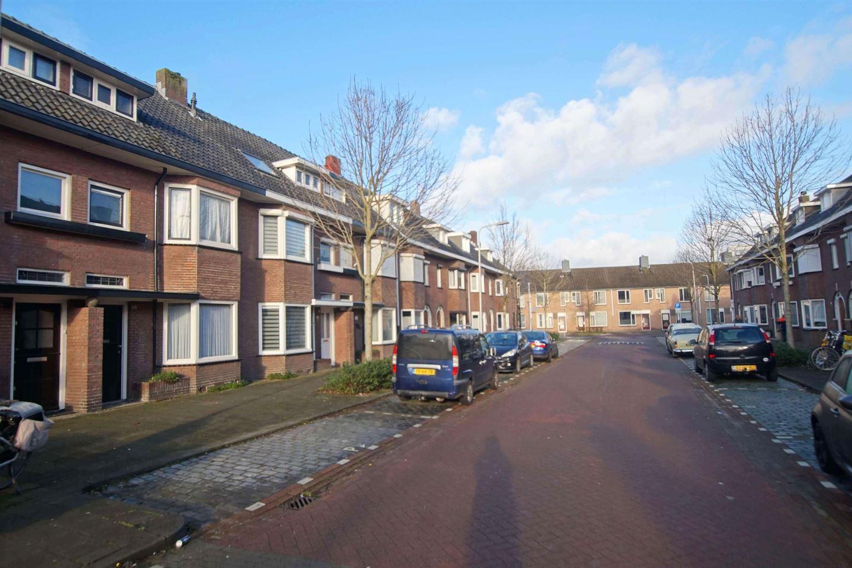 View photo 2 of Leenherenstraat 15