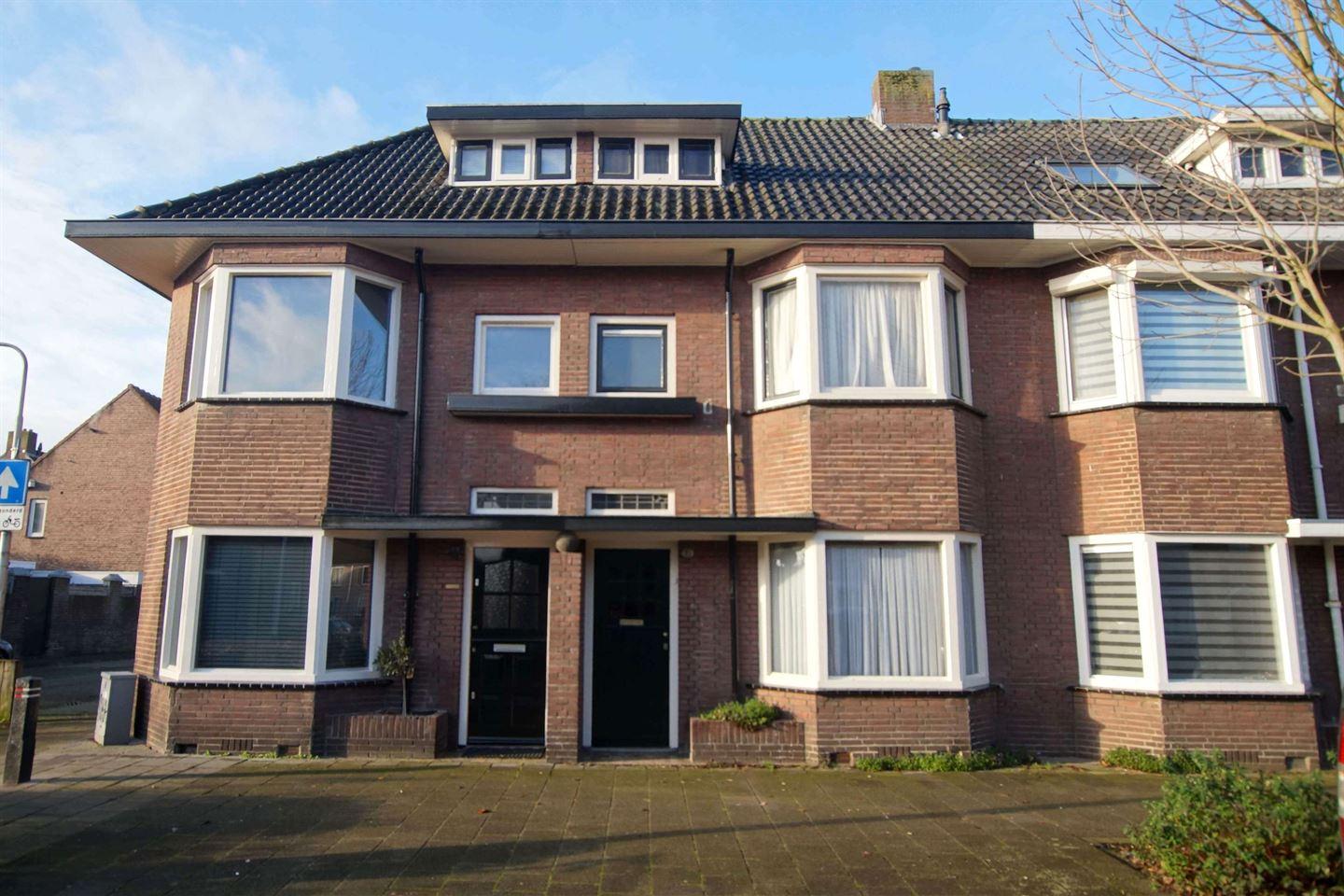 View photo 1 of Leenherenstraat 15
