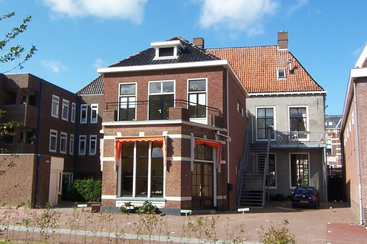 Bekijk foto 2 van Hortusstraat 20