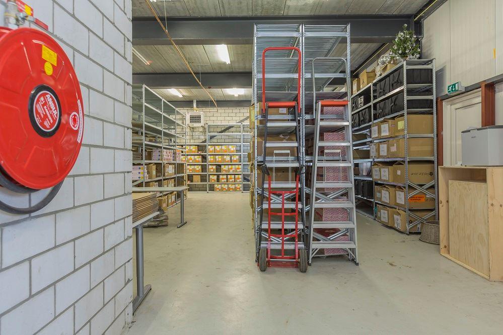Bekijk foto 4 van Nieuwenhuizenweg 13 -A