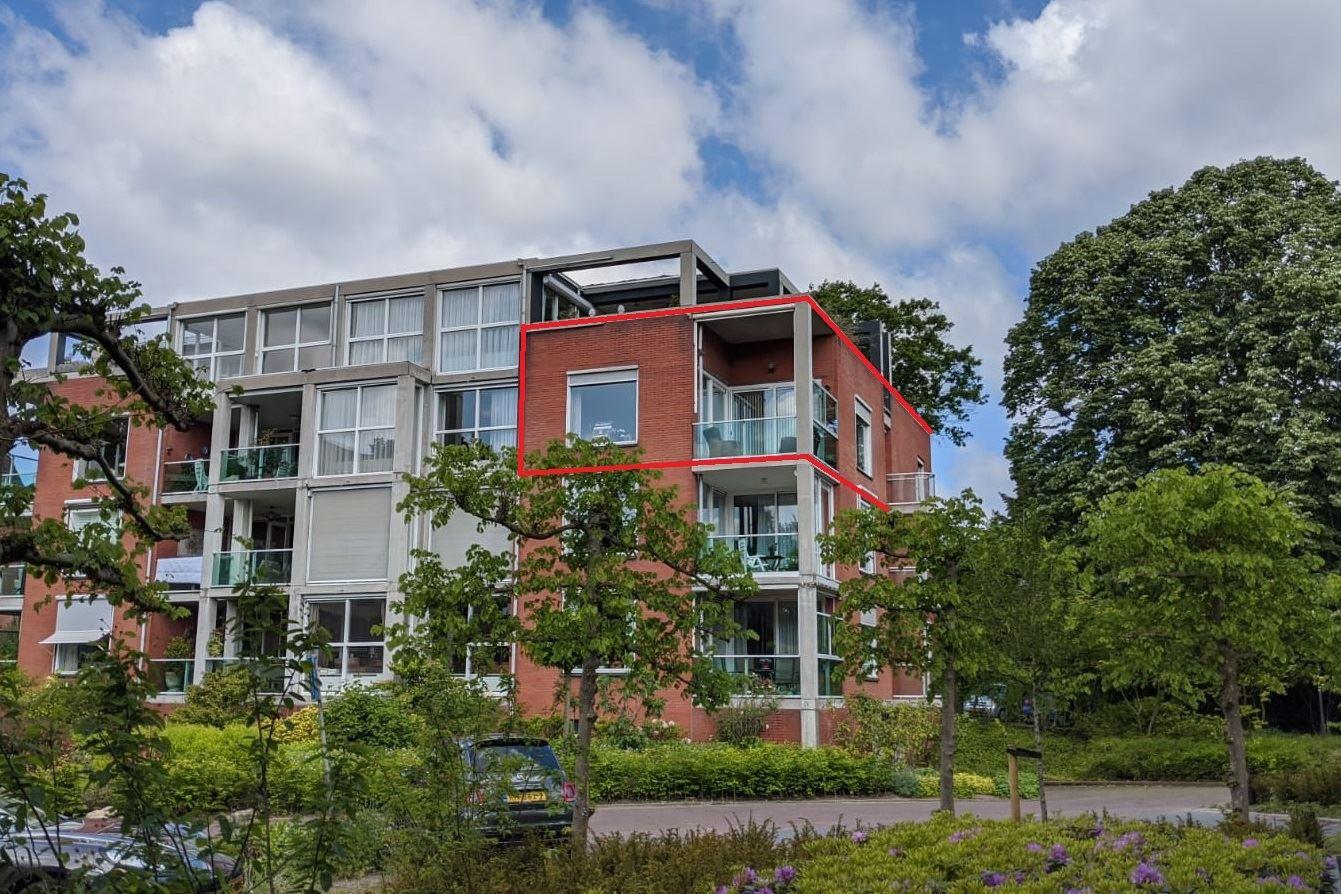 Bekijk foto 1 van Pastoor Hendrikspark 17