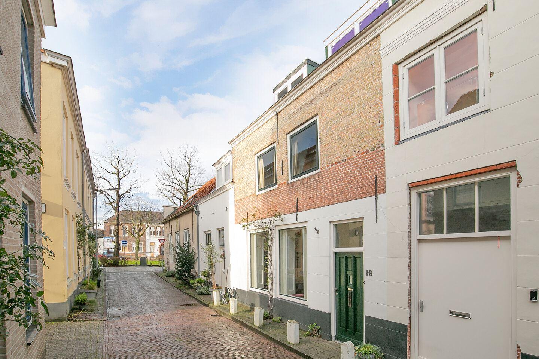 Bekijk foto 1 van Lambrechtstraat 16