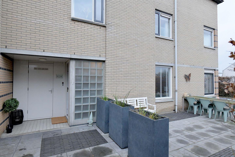 Bekijk foto 2 van Charlotte Ruysstraat 2