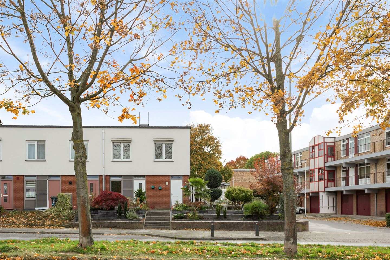 Bekijk foto 1 van Willem Barentszweg 26