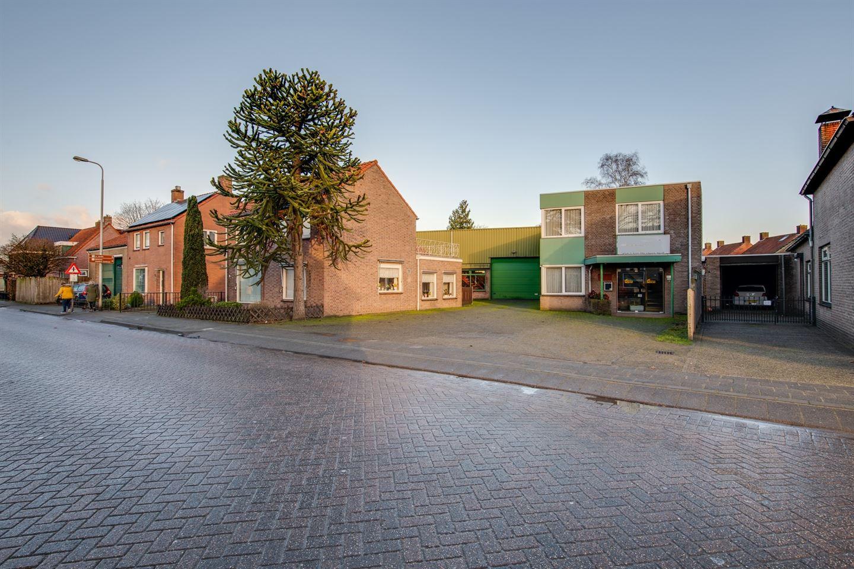 View photo 5 of Rucphense Vaartkant 12 + 14 (incl woning)