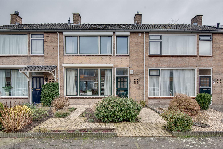 Bekijk foto 3 van Diepenbrockstraat 8