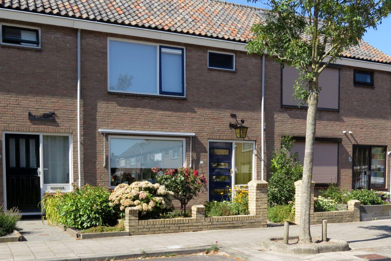 Bekijk foto 1 van Dr W Dreesstraat 18