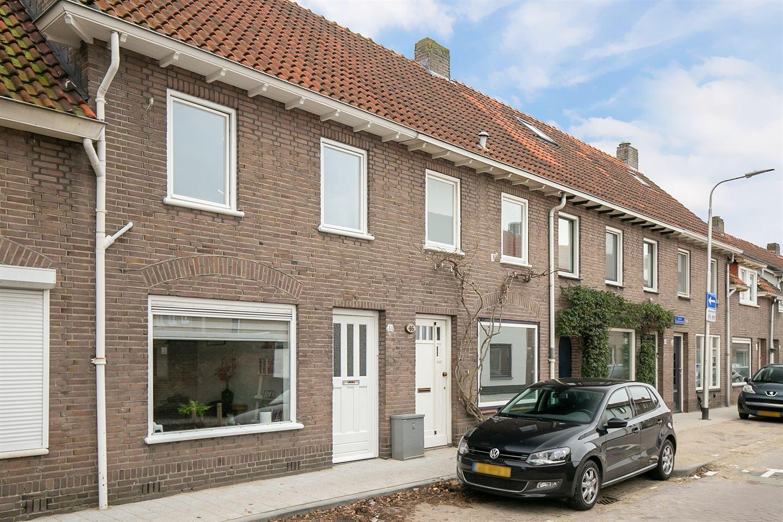 Bekijk foto 2 van Van de Coulsterstraat 44