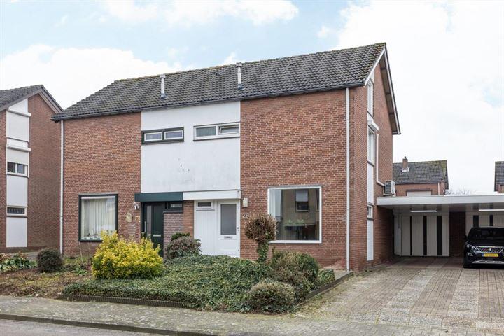 Willem-Alexanderstraat 28