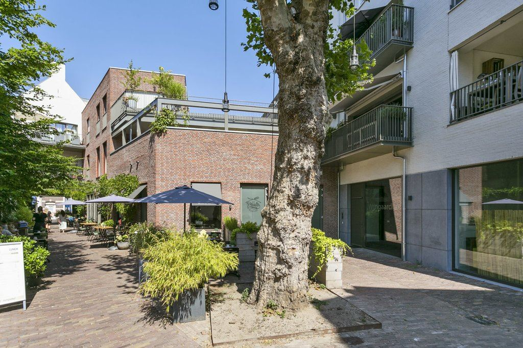 Bekijk foto 2 van Wijngaardhof 4