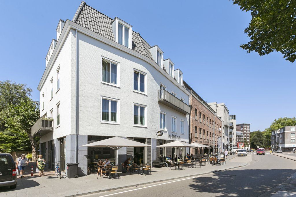 Bekijk foto 3 van Wijngaardhof 4