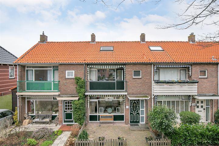 De Ruyterstraat 102