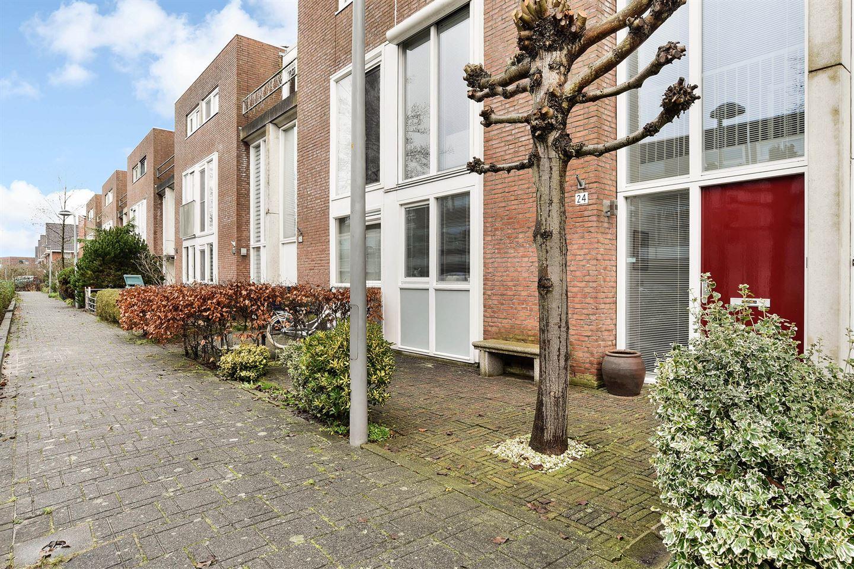 Bekijk foto 2 van Krakeendstraat 24