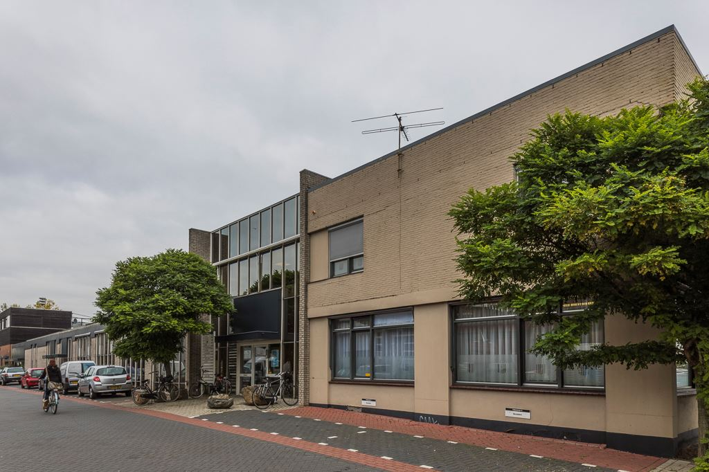 View photo 1 of Fokkerstraat 11